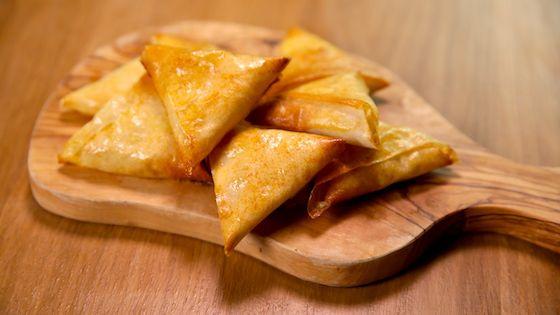 La recette des samoussas à la raclette