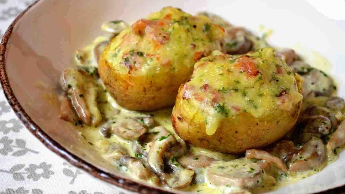 Pommes de terre farcies au lard