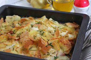 Pommes de terre croustillantes au jambon et mozzarella