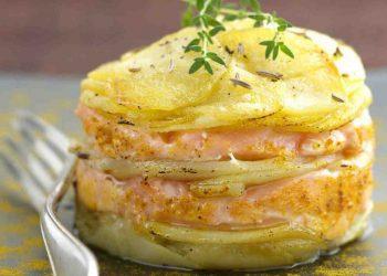 Millefeuille de pommes de terre au saumon