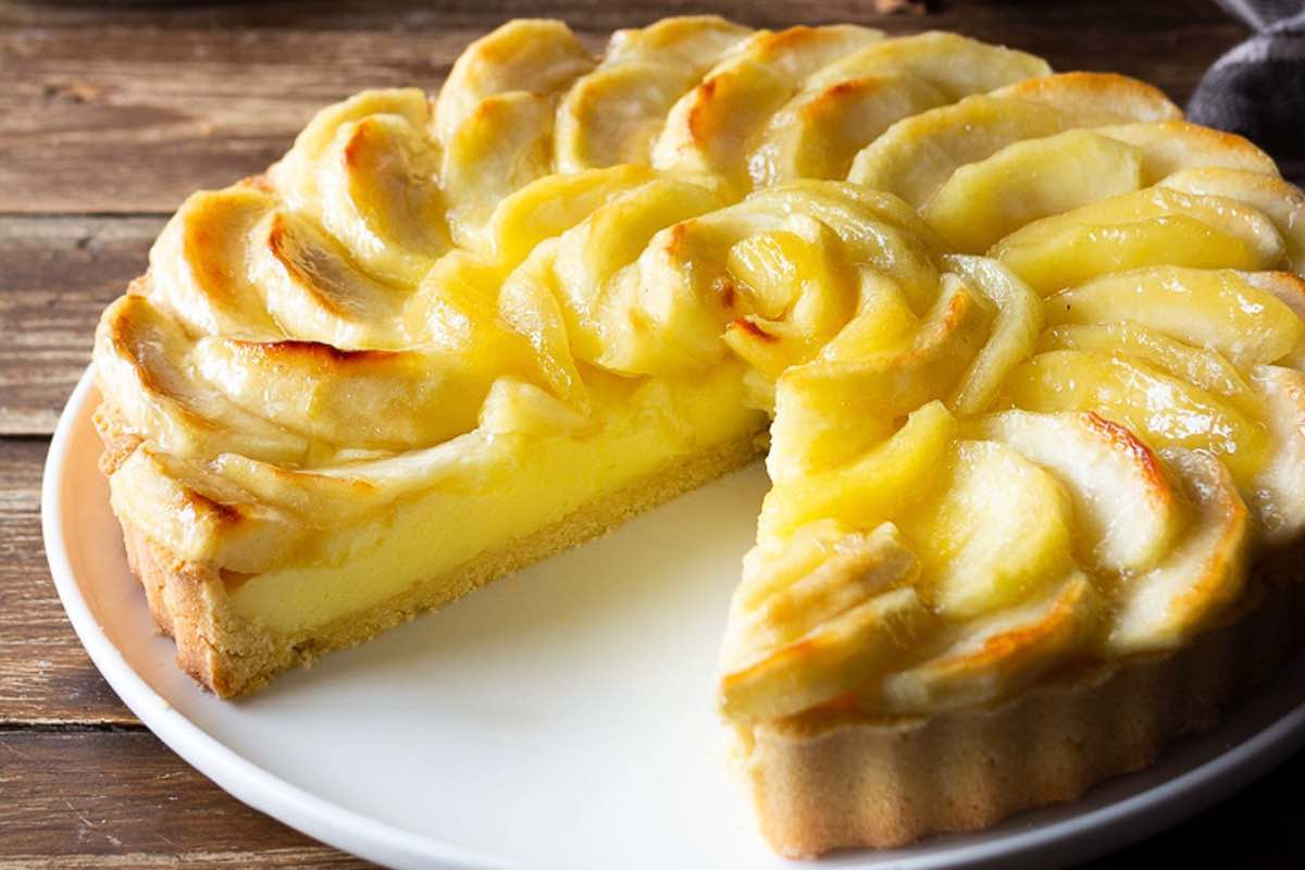 Tarte aux pommes et à la crème pâtissière