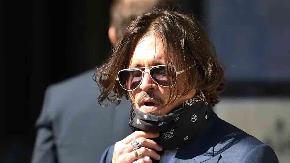 Johnny Depp donnait de la drogue à sa fille de 13 ans, accusé de violence contre les femmes, ce dernier se défend !
