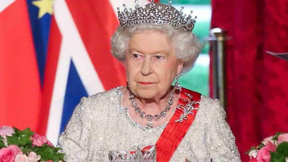 Scandal au Palais de Windsor : Meghan Markle et Camilla Parker Bowles suspecté de vol de bijoux ?