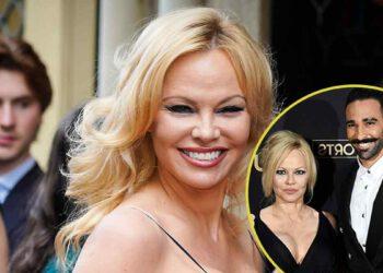 """Pamela Anderson : """"Poux et Bactéries"""", Adil balance sur l'actrice !"""